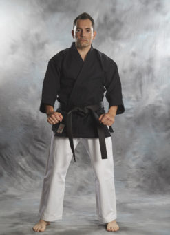 Kenpo Gi Bujin kuro shiro 14OZ de color negro